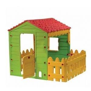 בית שעשוע עם חצר – בית לחצר לילדים