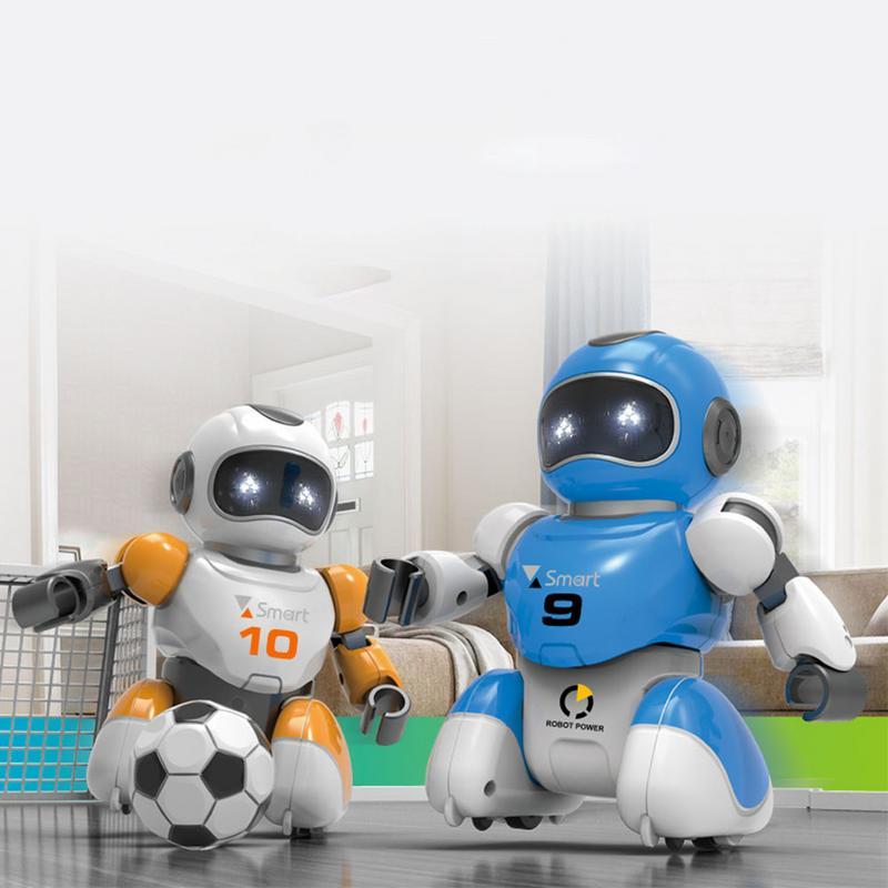 זוג רובוטי כדורגל עם שלט רחוק + מגרש כדורגל