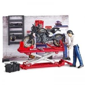 62101 מוסך אופנועים – BRUDER
