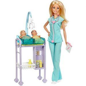 בובת ברבי רופאה מיילדת